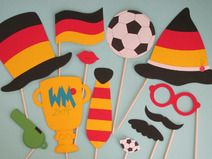 """Photobooth """"Fußball"""" (Foto-Accessoires) Photo Accessories, Diy Fotokabine, Accessoires Photobooth, Diy Photo Booth, Football Photos, I Am Awesome, Birthday, Blog, Kids"""