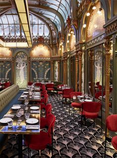 Looking for where to dine and wine on your next trip to Paris? We've gathered a list of beautiful restaurants in Paris to enjoy. Luxury Restaurant, Restaurant Interior Design, Top Interior Designers, Art Restaurant, Commercial Interior Design, Restaurants In Paris, Design Art Nouveau, Art Nouveau Interior, Art Nouveau Furniture