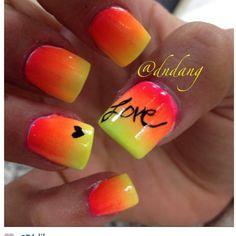 """Summer nails i always sign my artwork with this """"L """""""