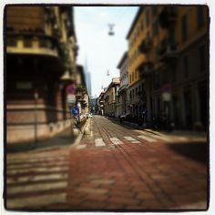 Mi amo y mi señor, qué puedo hacer por ti? #milan #milano #italia #rcs, via Flickr.