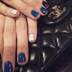 """137 gilla-markeringar, 2 kommentarer - FRIDA SELKIRK (@fridaselkirk) på Instagram: """"Your a sweetheart @emiliadeporet 😘😘😘 #nails #naglar #nailart #naildit #nailporn #nailtoinspire…"""""""