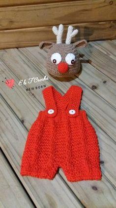 Conjunto Touca Rena em crochê e bermudinha com suspensório em Tricô.   Siga @newborncrocheef e veja muito mais