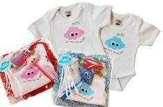Rompertje maat 56 met blauwe of roze GeluksWolkje opdruk. In verschillende cadeau-pakketjes verkrijgbaar met GeluksWolkje sleutelhanger of tashanger erbij. Altijd feestelijk ingepakt!  Leuk als kraamcadeautje, of voor jouw eigen 'wolk van een baby' natuurlijk! www.gelukswolkje.nl