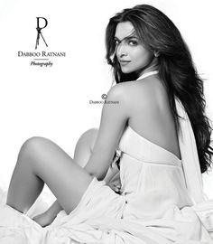 Happy Birthday to the talented Bollywood Actress, Deepika Padukone Thank you for… Indian Celebrities, Bollywood Celebrities, Bollywood Actress, Hot Actresses, Beautiful Actresses, Indian Actresses, Desi Boyz, Friend Poses Photography, Dipika Padukone