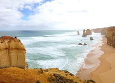 #twelveapostles  #australia #aussi #photooftheday #pictureoftheday #like4like #l4l #follower #followme #greatoceanroad #beautiful #view #love #live #travel #traveler #world #beach #awesome by diebekki_
