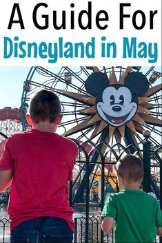 Tips and tricks to help you plan an amazing Disneyland vacation in May! Everything from what to wear, the weather, a crowd calendar and ride closures. Disneyland Park Hours, Disneyland Crowds, Disneyland Resort Hotel, Disneyland Tickets, Disneyland Vacation, Disneyland Tips, Disneyland California, Disney Vacations, Disney World Planning