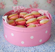 Tin of whoopie pies