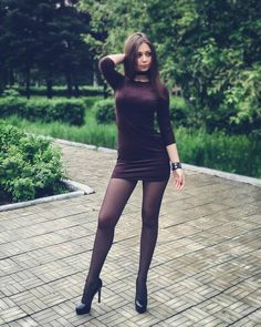 women in pantyhose so sexy Pantyhose Outfits, In Pantyhose, Nylons, Lovely Legs, Great Legs, Little Dresses, Sexy Dresses, Black Stockings, Women Legs