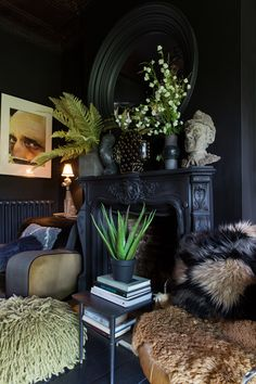 To celebrate Abigail Ahern's iconic design masterclass' highly anticipated arrival into Australia next month, we asked the renowned British interior, furniture and accessories designer to reveal her top decorating tips. Interior Desing, Home Design Decor, Interior Exterior, Home Interior, Interior Inspiration, Diy Home Decor, House Design, Interior Office, Modern Interior