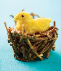 This homemade Chick in a Nest treat is too cute! Great for Easter/springtime.