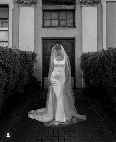 Next Wedding, Wedding Goals, Italy Wedding, Dream Wedding, Romantic Wedding Inspiration, Black Tie Wedding, Wedding Photography Poses, Wedding Photoshoot, Bridal Portraits