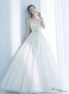 웨딩드레스 로맨틱한 순백의 신부 모니카블랑쉬! :D - 2016 COLLECTION - : 네이버 포스트 Wedding Dresses 2018, Wedding Suits, Designer Wedding Dresses, Wedding Bride, Bridal Dresses, Prom Dresses, Beautiful Gowns, Beautiful Bride, Wedding Gown Preservation