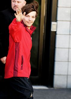 The Tommo going to play soccer and looking like a god.