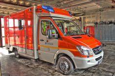 awesome FW-MG: Unterstützung der Feuerwehr Düsseldorf durch Hilfsorganisationen und Feuerwehr aus Mönchengladbach