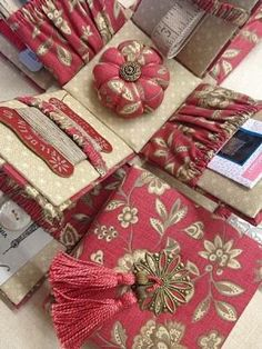 Luccello - L'UCCELLO VICTORIAN STYLE ETUI --Sewing Kit! I believe we can make this!!