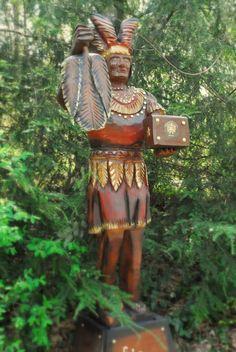 Photo by Julie Flowergirl Native American Photos, American Indians, African Americans, Native Americans, Cigar Box Art, Cigar Store Indian, West Indian, African Diaspora, Native Indian