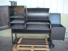 Overall view of the BBQ Smoker