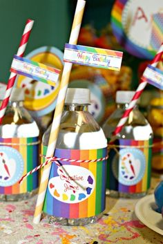 Drinks at an Art Party (Bottle Painting Birthday) Artist Birthday Party, 6th Birthday Parties, Birthday Ideas, Kids Art Party, Craft Party, Ciel Art, Ideas Bautizo, Art Themed Party, Paint Party