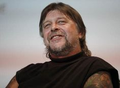 Captain Phil Harris, the skipper of a Seattle-based crab boat whose work in a remote corner of the globe entertained millions of Americans in their living rooms, is dead. Captain Phil Harris of the… Deadlist Catch, Captain Phil Harris, Cornelia Marie, Safe Journey, Gone Too Soon, Tv Shows, Blues, Death, American