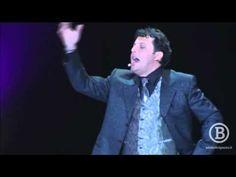 ▶ Enrico Brignano - A sproposito di noi - ...i ladri italiani si sono fatti tutti eleggere... - YouTube