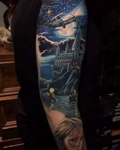 Harry Potter tattoo inspo from Australian artist Click the link for more tattoos inspired by the Wizarding World ✨ African Sleeve Tattoo, Thigh Sleeve Tattoo, Celtic Sleeve Tattoos, Butterfly Sleeve Tattoo, Shoulder Sleeve Tattoos, Black Sleeve Tattoo, Skull Sleeve Tattoos, Half Sleeve Tattoos For Guys, Best Sleeve Tattoos