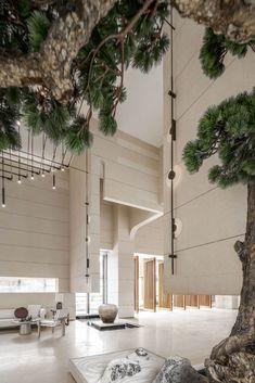 耽美于翡、翠而生姿,海派东方的文艺幻境 Modern Hotel Lobby, Hotel Lobby Design, Corporate Interiors, Hotel Interiors, Plywood Furniture, Living Room And Kitchen Design, Feature Wall Design, Lobby Reception, Showroom Design