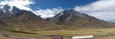 La Raya: es el poblado que se encuentra en la frontera entre Cusco y Puno y el punto más alto de esta ruta (4.313 m – 14.147 pies). A partir de este punto se disfruta de paisaje más árido del altiplano.