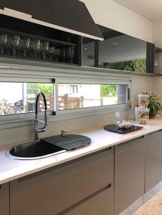 Estudio DX ARQ - Casa Solar del Bosque, Actual - Portal de Arquitectos Kitchen Room Design, Modern Kitchen Design, Interior Design Kitchen, Kitchen Decor, Modern Farmhouse Kitchens, Home Kitchens, Kitchen Modular, Küchen Design, House Design