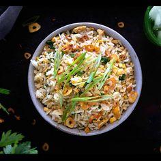 Japanese Garlic Fried Rice Recipe, Fried Rice Recipe Video, Japanese Fried Rice, Japanese Rice Bowl, Japanese Dishes, Japanese China, Veggie Fried Rice, Fried Garlic, Japanese Style