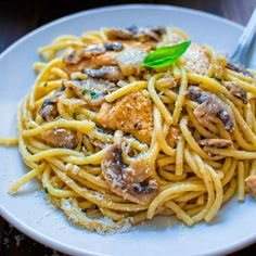 This quick and tasty one-potChicken Mushroom Spaghetti makes a filling and elegant dinner in just 30 minutes!