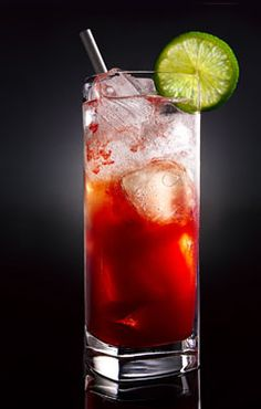 Like Gin? Try a Singapore Sling, its my favorite Gin drink! Booze Drink, Cocktail Drinks, Cocktail Recipes, Refreshing Drinks, Summer Drinks, Singapore Sling Cocktail, Fresco, Gin, Coconut Rum Drinks