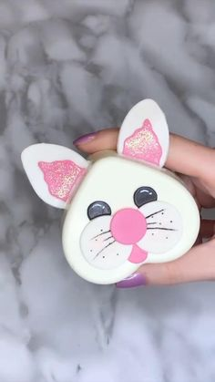 Easter Cupcakes, Easter Cookies, Easter Treats, Unique Desserts, Fun Desserts, Delicious Desserts, Hot Chocolate Gifts, Easter Chocolate, Fun Baking Recipes