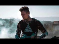 Chris Brown - Lady In The Glass Dress (FULL VERSION) - YouTube