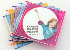 Dance Party {Invitation} These faux CD invites in jewel cases are a fabulous idea! Lisa quickly made them the night before. She took a picture of her daughter… Dance Party Kids, Dance Party Birthday, 6th Birthday Parties, 7th Birthday, Birthday Music, Birthday Ideas, Rockstar Birthday, Kid Parties, Karaoke