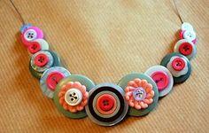 botton necklace tied with ribbon..pretty, pretty!