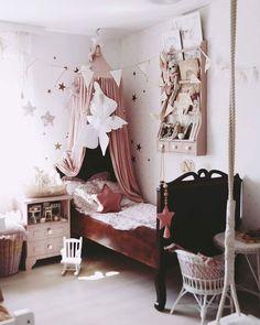 Attraktiv Babyzimmer Einrichten Ideen Inspo Kinderzimmer Rosa Boho Vintage Schaukel  Flohmarkt DIY Bauernschrank Mädchen Neutral #baby