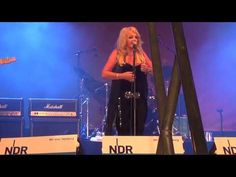 Bonnie Tyler in Hamburg, 27/07/2013 - All I Ever Wanted #bonnietyler #thequeenbonnietyler #therockingqueen #rockingqueen #music #rock #2013 #germany #hamburg #concert #bonnietylervideo #allieverwanted