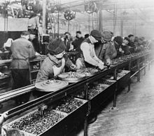 On this day in history, October Henry Ford and his team at the Highland Park automobile assembly plant in Michigan launched the first moving assembly line. Henry Ford, Scientific Management, Assembly Line, User Experience Design, Ex Machina, Automobile Industry, Day Work, Work Week, Industrial Revolution