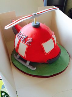 PipCAKES Helicopter Cake