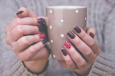 Nail Art : réalisez une manucure prune pour l'automne !