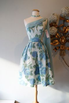 Vintage 1950s Blue Rose Print Party Dress With by xtabayvintage, $198.00
