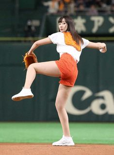 Anatomy Reference, Pose Reference, Baseball Girls, Japan Model, Body Poses, Sport Girl, Japanese Girl, Drawing Poses, Sports Women