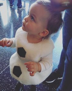 Edwardo dressed as Olaf Saccone Jolys, Anna Saccone, Good Morning Friends, Sweet Pic, First Humans, Family Goals, Ohana, Picture Quotes