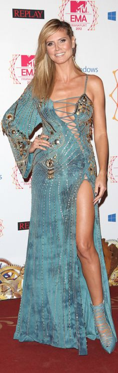 Heidi Klum, love her! Look at her Gorgeous dress