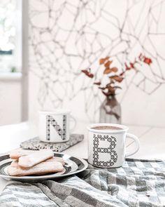 """Simona Ortolan on Instagram: """"Ma non era """"Aprile dolce dormire?"""" Oggi se non mi faccio un'altro caffè... mi addormento. Prevedo almeno dpiia merenda 😉 . . . .…"""""""