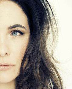 Caroline Dhavernas Blood Mage, Beautiful People, Beautiful Women, Glamour Shots, Movies And Tv Shows, Actresses, Persephone, Photography, Beauty