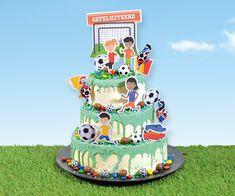 100% voetbal deze taart voor alle voetballers groot en klein Jaba, Birthday Cake, Groot, Desserts, Bavarian Cream, Seeds, Tailgate Desserts, Deserts, Birthday Cakes