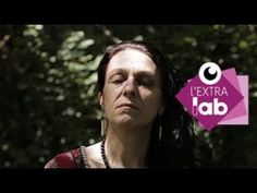 (4) Wicca : L'art de vie des sorcières - Reportage offert de l'EXTRA Lab S3E2 - YouTube Lab, Wicca, Youtube, Fictional Characters, Life After Death, Modern Witch, The Emotions, Witch Craft, Candles