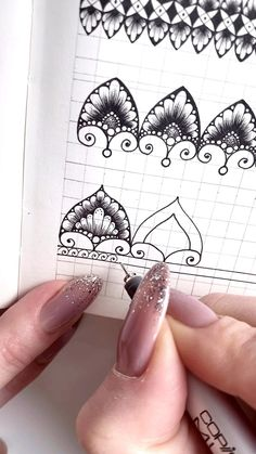 Mandala Doodle, Mandala Art Lesson, Mandala Artwork, Mandala Painting, Easy Mandala Drawing, Simple Mandala, Doodle Art Drawing, Cool Art Drawings, Zentangle Drawings