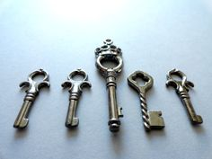 set of 5 antique silver tone key charms  decorate by Handemadeit, $2.50